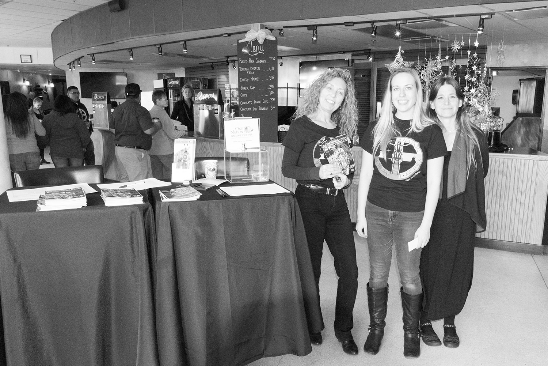 Laura, Kelsey, Kathybw